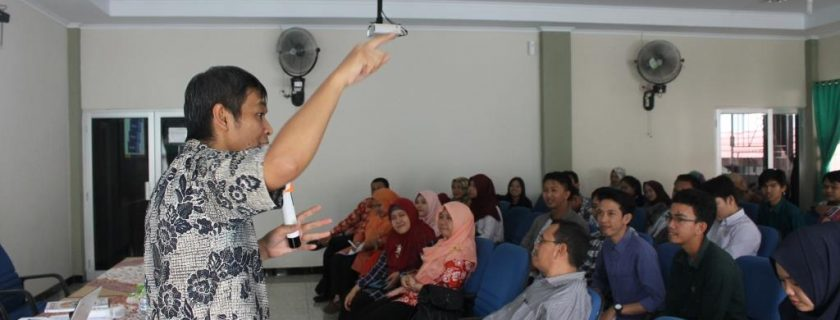 S1 Akuntansi Selenggarakan Workshop Penulisan Penelitian Eksperimen
